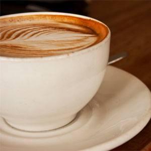 Een kopje cappuccino, ook dat helpt bij oorsuizen.